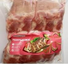 Свинина РЕБРА в/у 1кг (Агрокомплекс)